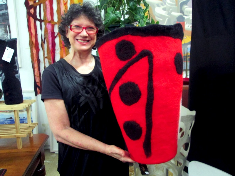denise-lithgow-favourite-sculptural-felt-vessel