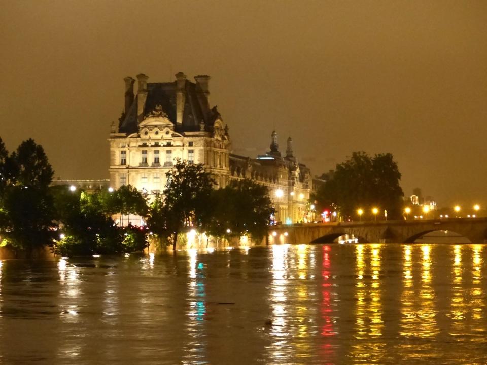 Seine6 Louvre