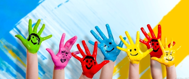 p-kids-hand-painting-owpMN8ZSw8-1