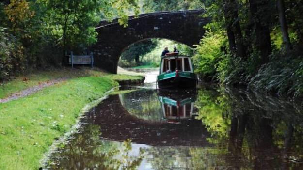 Canal-Llangattock 2